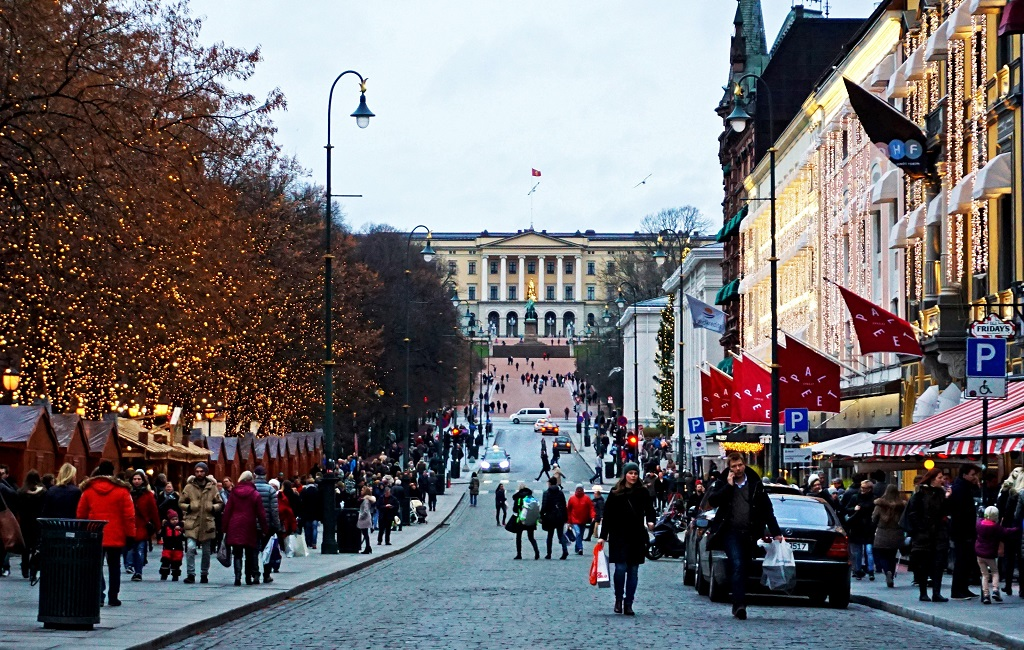 avrupa rüyası norveç oslo Karl Johans Gate