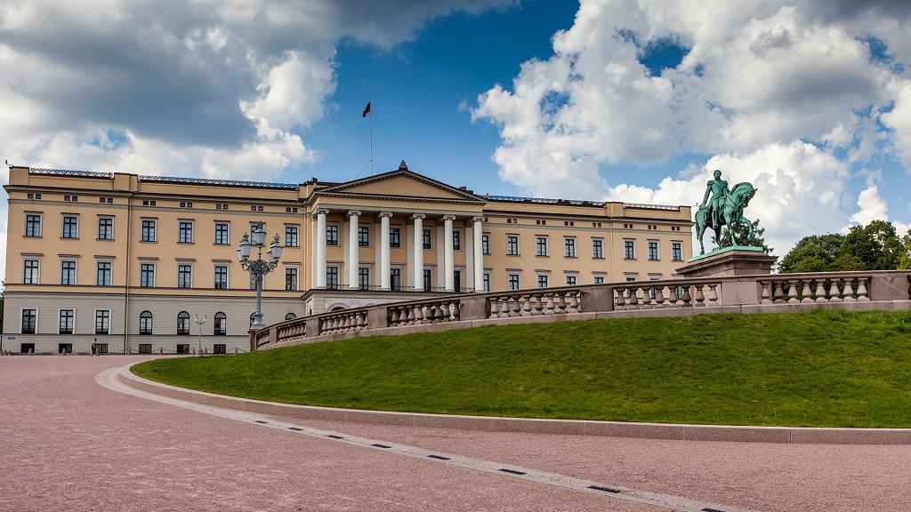 avrupa rüyası norveç oslo kraliyet sarayı